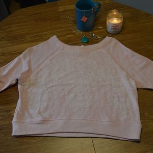 Cropped sweatshirt with lace print motif- like new